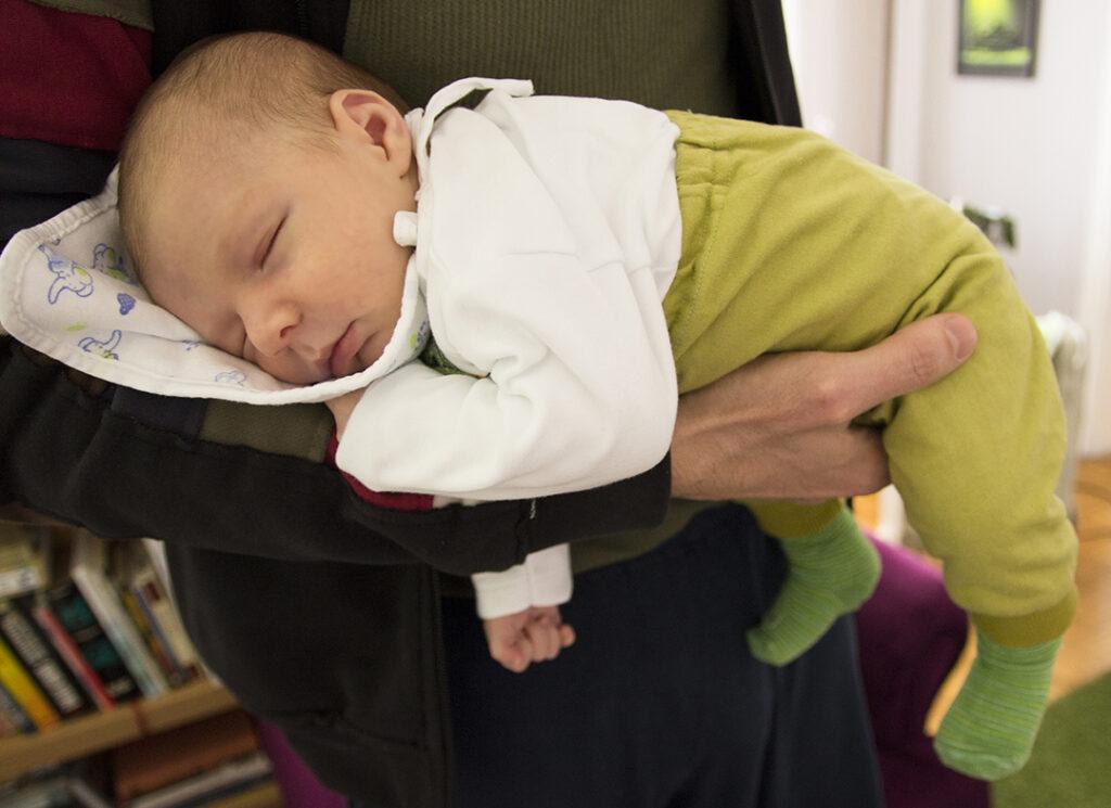 Hjælp din baby med at falde i søvn