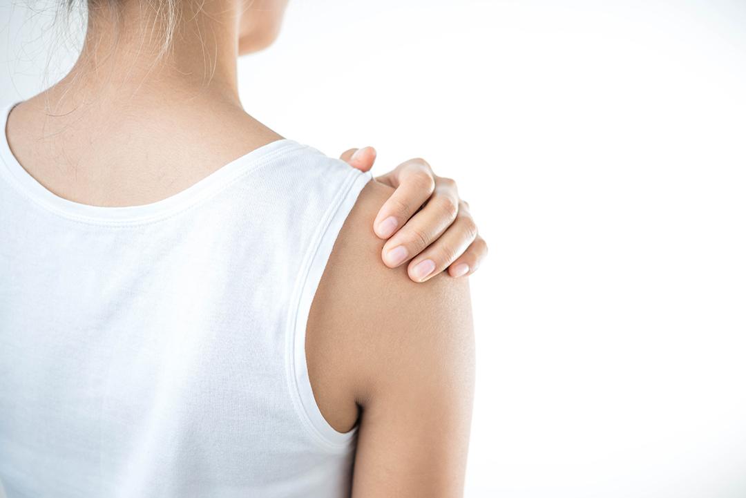 Totum kropsterapi kan hjælpe med skuldersmerter